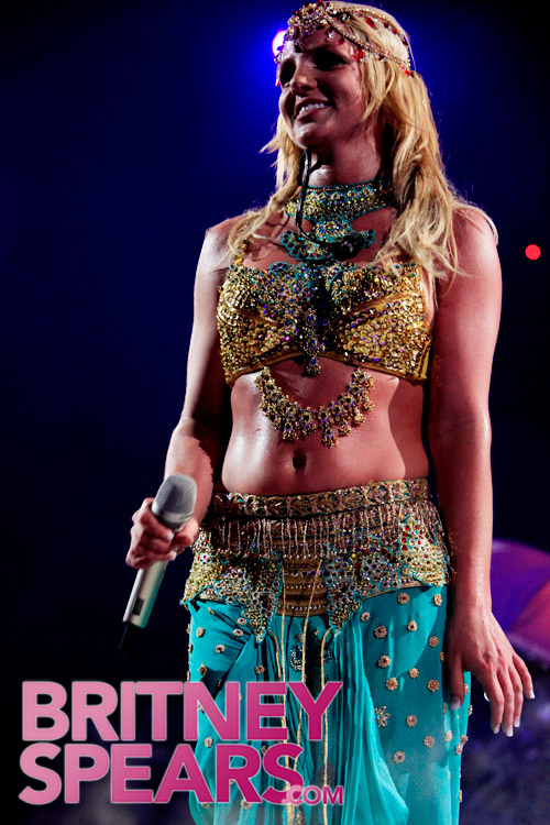 gallery_enlarged-britney-spears-miami-9.