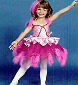 BRITNEY_SPEARS_SMILING_AT_5_YEARS_OLD_WEARING_HER_PINK_BALLET_COSTUME.jpg