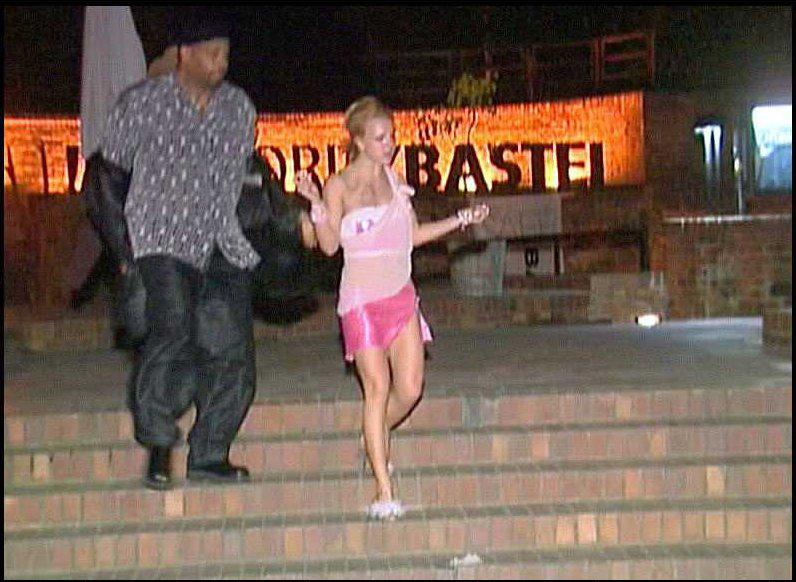 November 01 - Leaving 'Moritzbastei' nightclub in Leipzig, Germany -  BG010~119 - THEONYXZONE.COM   The Best Britney Spears Gallery In The  Universe