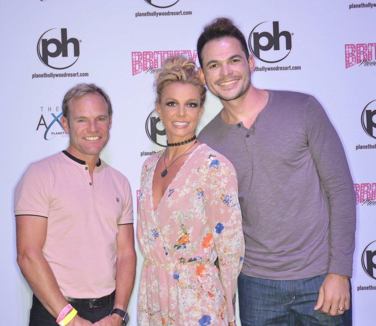 Britney spears piece of me las vegas residency meet and greet na blog m4hsunfo