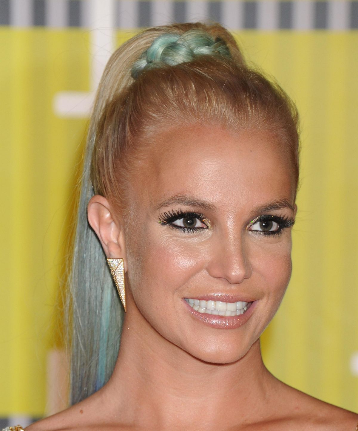 britney-spears-at-mtv-video-music-awards