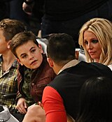 46D4D47700000578-5131407-13_years_her_junior_Britney_s_boys_were_clearly_comfortable_with-a-172_1512036272155.jpg