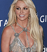 68168842_britney-spears-attends-the-29th-annual-glaad-media-awards-at-the-beverly-hilto.jpg