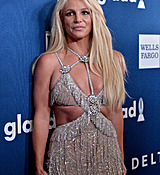 68168975_britney-spears-attends-the-29th-annual-glaad-media-awards-at-the-beverly-hilto.jpg