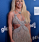 68169011_britney-spears-attends-the-29th-annual-glaad-media-awards-at-the-beverly-hilto.jpg