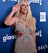 68169020_britney-spears-attends-the-29th-annual-glaad-media-awards-at-the-beverly-hilto.jpg