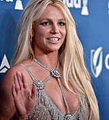 68169026_britney-spears-attends-the-29th-annual-glaad-media-awards-at-the-beverly-hilto.jpg