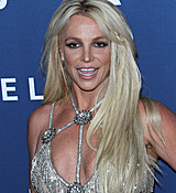 68169281_britney-spears-attends-the-29th-annual-glaad-media-awards-at-the-beverly-hilto.jpg