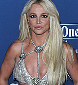 68169286_britney-spears-attends-the-29th-annual-glaad-media-awards-at-the-beverly-hilto.jpg