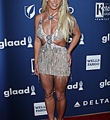 68169290_britney-spears-attends-the-29th-annual-glaad-media-awards-at-the-beverly-hilto.jpg