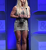 68169310_britney-spears-attends-the-29th-annual-glaad-media-awards-at-the-beverly-hilto.jpg