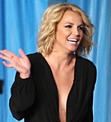 Britney-Spears-Stops-By-The-Ellen-Show-To-Announce-New-Piece-Of-Me-Show-Dates.png