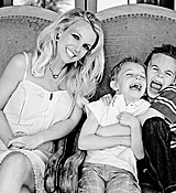 Britney-Spears-and-Kids-Portraits-222-LowResNew.jpg