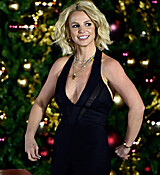 Britney_Spears_Christmas_Tree_Lighting_Ceremony_moUDwCEn7aOx.jpg