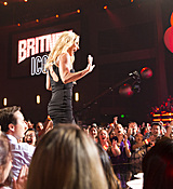 britney-spears-2017-radio-disney-music-awards-microsoft-theater-in-los-angeles-042917-12.jpg
