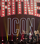 britney-spears-2017-radio-disney-music-awards-microsoft-theater-in-los-angeles-042917-18.jpg