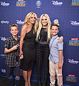 britney-spears-2017-radio-disney-music-awards-microsoft-theater-in-los-angeles-042917-2.jpg