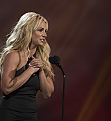 britney-spears-2017-radio-disney-music-awards-microsoft-theater-in-los-angeles-042917-23.jpg