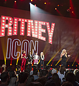 britney-spears-2017-radio-disney-music-awards-microsoft-theater-in-los-angeles-042917-27.jpg