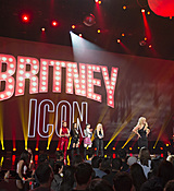 britney-spears-2017-radio-disney-music-awards-microsoft-theater-in-los-angeles-042917-29.jpg