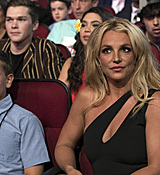britney-spears-2017-radio-disney-music-awards-microsoft-theater-in-los-angeles-042917-4.jpg