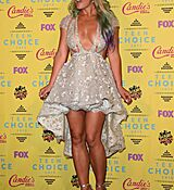 britney-spears-at-2015-teen-choice-awards-in-los-angeles_13.jpg