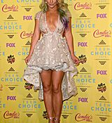 britney-spears-at-2015-teen-choice-awards-in-los-angeles_14.jpg
