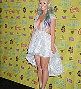 britney-spears-at-2015-teen-choice-awards-in-los-angeles_17.jpg