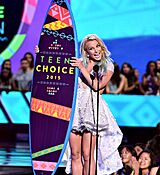britney-spears-at-2015-teen-choice-awards-in-los-angeles_22.jpg