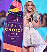 britney-spears-at-2015-teen-choice-awards-in-los-angeles_23.jpg