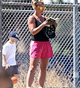 britney-spears-at-her-sons-soccer-game-in-woodland-hills-32915-12.jpg