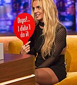 britney-spears-at-jonathan-ross-show-in-london-09-30-2016_12.jpg
