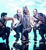 britney-spears-at-jonathan-ross-show-in-london-09-30-2016_6.jpg