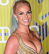 britney-spears-at-mtv-video-music-awards-2015-in-los-angeles_10.jpg