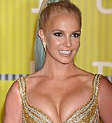 britney-spears-at-mtv-video-music-awards-2015-in-los-angeles_14.jpg