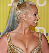 britney-spears-at-mtv-video-music-awards-2015-in-los-angeles_16.jpg