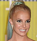 britney-spears-at-mtv-video-music-awards-2015-in-los-angeles_9.jpg