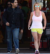 britney-spears-doing-some-last-minute-easter-shopping-at-target-april-3-2015-x33-hq-29.jpg
