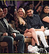 britney-spears-help-boyfriend-sam-asghari-support-his-sister-04.jpg