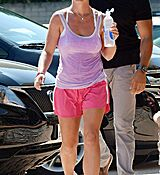 britney-spears-leaves-a-gym-in-calabasas_17.jpg