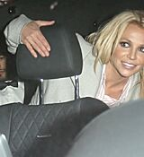 britney-spears-leaving-with-her-boyfrie_0001.jpg