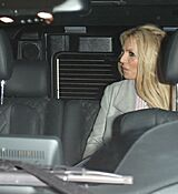 britney-spears-leaving-with-her-boyfrie_0008.jpg