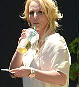 britney-spears-seen-out-in-los-angeles-july-22015-x28-17.jpg