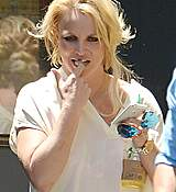 britney-spears-seen-out-in-los-angeles-july-22015-x28-20.jpg