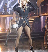 60572825_britney_spears_31122017_adds_32.jpg