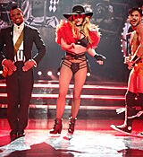 60572828_britney_spears_31122017_adds_33.jpg