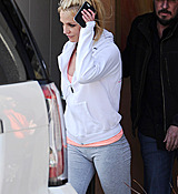 Britney_Spears_-_Arriving___Leaving_a_Dance_Studio_in_Los_Angeles_25_02_2017_38.jpg