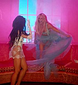 Britney_Spears_-_Slumber_Party_ft__Tinashe_561.jpg