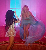 Britney_Spears_-_Slumber_Party_ft__Tinashe_562.jpg