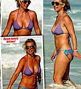 britney-spears-in-bikini-in-zoo-magazine-20th-november-2015-issue_3.jpg